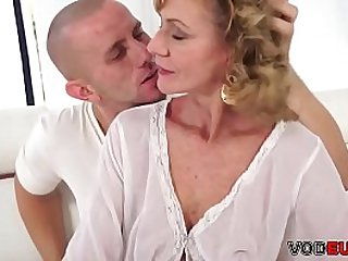 Mature lady seduces a young guy and gets fucked by him