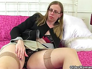 British milf Skyler fingers her shaven fanny before she puts a magic wand massager to work between her legs (brand NEW video available in Full HD 1080P). Bonus video: UK milf Sammie.